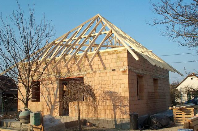 Tetőszerkezet építés házilag